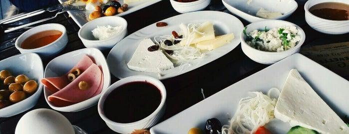 Caffe G Kıtchenette is one of Posti che sono piaciuti a Engin.