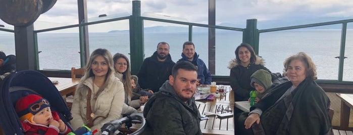 Çamlı Kahve is one of Posti che sono piaciuti a Duygu.