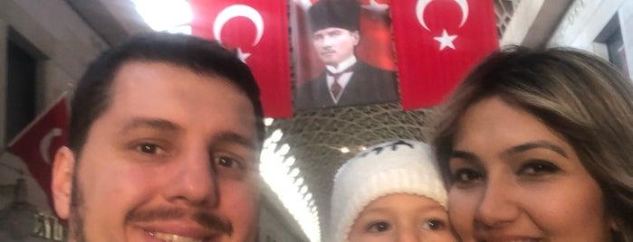 Kapalı Çarşı is one of Posti che sono piaciuti a Duygu.
