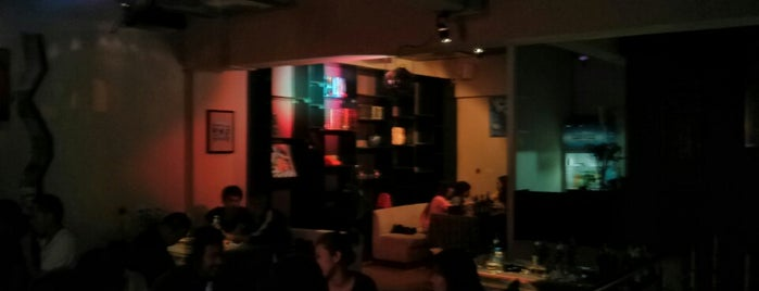 Kunming Cafe 昆明故事 is one of สถานที่ที่ JulienF ถูกใจ.