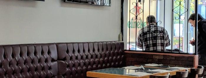 Café Central Portugais is one of Top café coffee shops Montreal.