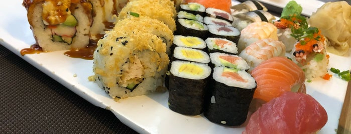 La-Guna Sushi Bar is one of Locais curtidos por Csaba.