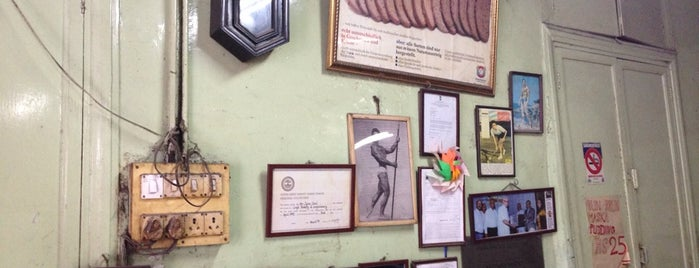 Yazdani Bakery is one of Mumbai.