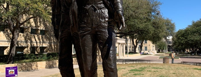 Founders Statue is one of Places to go.