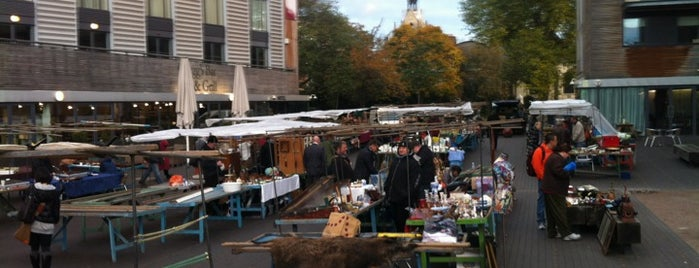 Bermondsey Antiques Market is one of London Markets & Food Stalls.