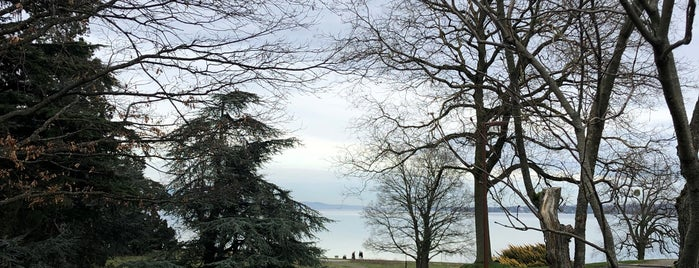 Parc Barton is one of Genève 🇨🇭.