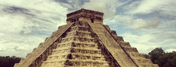 Zona Arqueológica de Chichén Itzá is one of สถานที่ที่ Isabel ถูกใจ.
