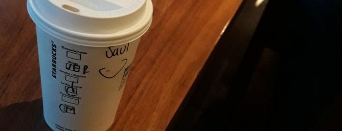 Starbucks is one of สถานที่ที่ Roberto ถูกใจ.