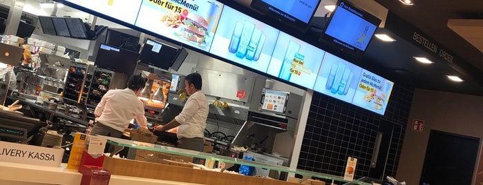 McDonald's is one of Posti che sono piaciuti a Bego.