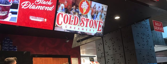 Gold Stone Cafe is one of Locais curtidos por Özge.