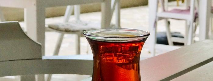 Rhosus Cafe is one of Tempat yang Disimpan Merve.