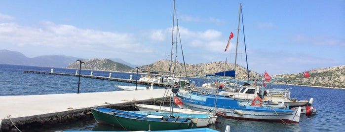 Söğüt Marina&Yacht Club is one of İpek'in Beğendiği Mekanlar.