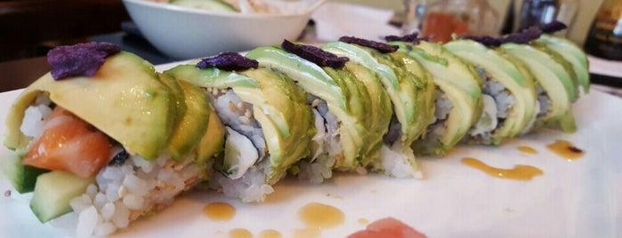 Shinjuku Sushi is one of Lieux qui ont plu à Mike.