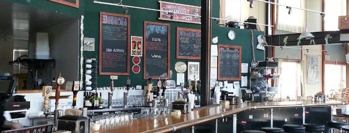 Lanesplitter Pizza & Pub is one of Orte, die Alec gefallen.