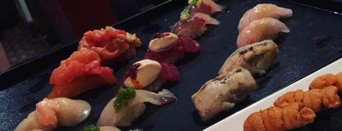 Sushi of Gari 46 is one of Lieux qui ont plu à Lillian.