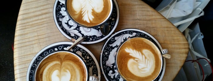 La Colombe Coffee Roasters is one of NYC: Fast Eats & Drinks, Food Shops, Cafés.