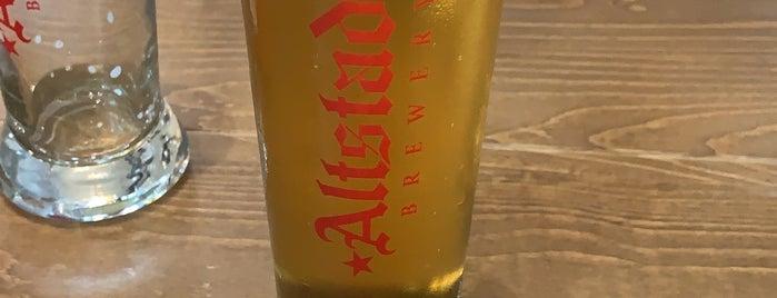 Altstadt Brewing is one of Locais curtidos por Rita.