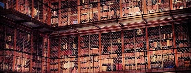 The Morgan Library & Museum is one of Locais curtidos por Emily.