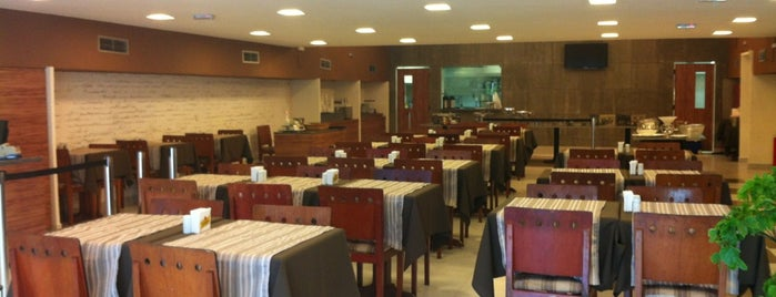 L'Artiste Grill is one of สถานที่ที่ Loretto ถูกใจ.