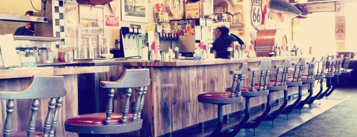 Santa Cruz Diner is one of Posti che sono piaciuti a Rob.