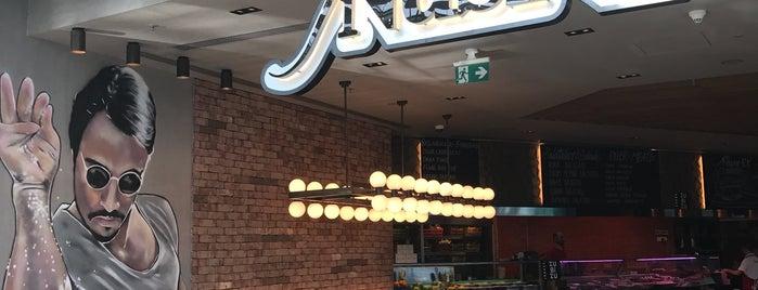 Nusr-Et Burger is one of Orte, die Christina gefallen.