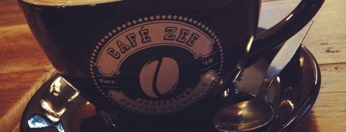 Café Zee is one of สถานที่ที่ Cheng ถูกใจ.