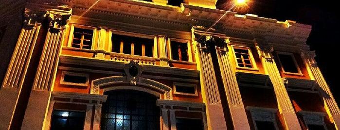 Teatro Jorge Isaacs is one of Locais curtidos por Daniel.