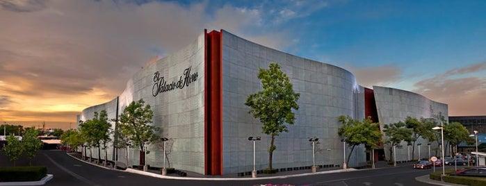 Perisur is one of Los centros comerciales más populares en el DF.