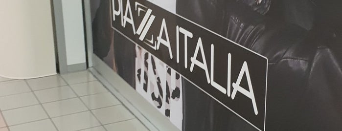 Piazza Italia is one of I miei luoghi.