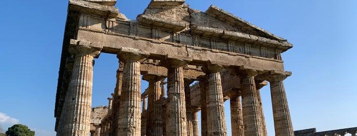 Tempio di Nettuno is one of Posti che sono piaciuti a Geoffrey.