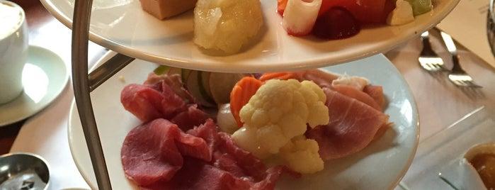 Reinhardt's auf Gut Moschenhof is one of Locais curtidos por Jana.
