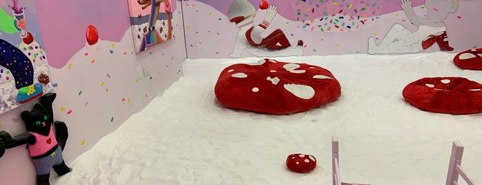 SPRING/BREAK Art Show is one of IrmaZandl : понравившиеся места.