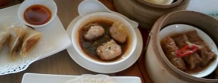 Imperial Kitchen & Dimsum is one of Posti che sono piaciuti a Rafika Isya Rasyid.