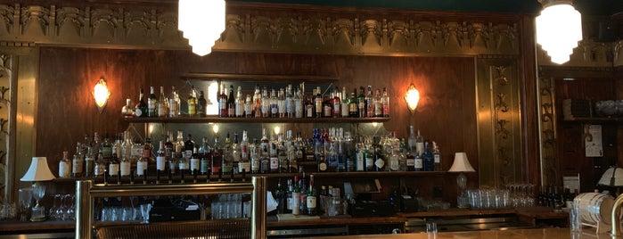 Gaslight Tavern is one of Orte, die Adam gefallen.