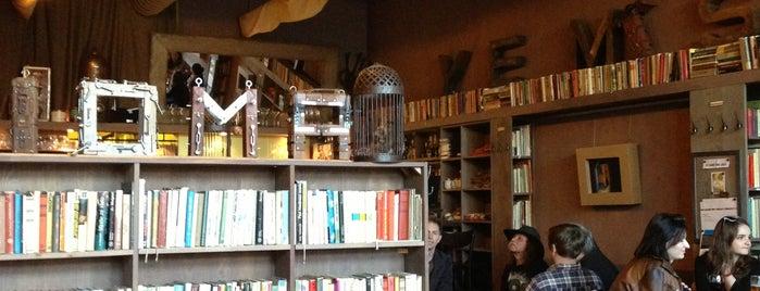 Axioma Cafe is one of สถานที่ที่ Emilia ถูกใจ.