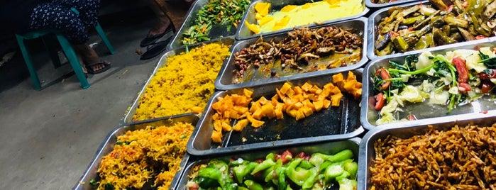 Gili Trawangan Food Night Market is one of สถานที่ที่บันทึกไว้ของ Anechka.
