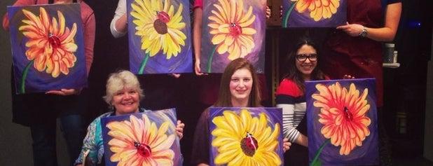 Uptown Art Denville is one of Posti che sono piaciuti a Caroline.