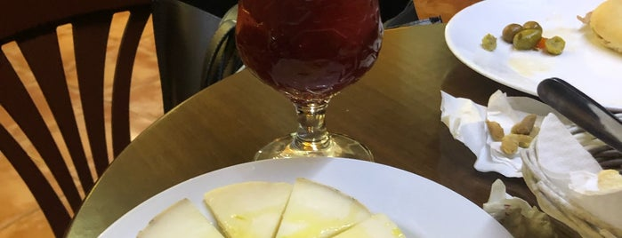 Bar Minotauro is one of Granada.