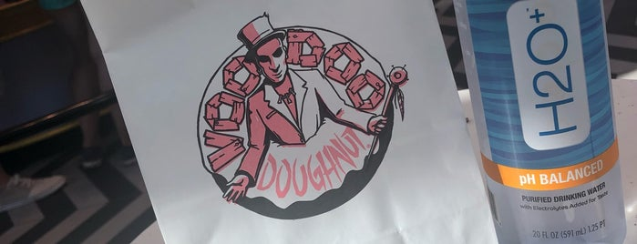 Voodoo Doughnut Universal CityWalk Orlando is one of Posti che sono piaciuti a Priscila.