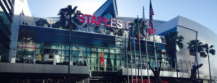 STAPLES Center is one of Lieux qui ont plu à Stefanie.
