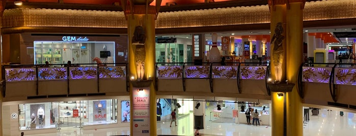 Sunway Pyramid is one of Yatieさんのお気に入りスポット.