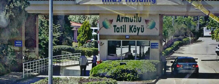 İhlas Armutlu Tatil Köyü is one of Tempat yang Disukai AbNuR.
