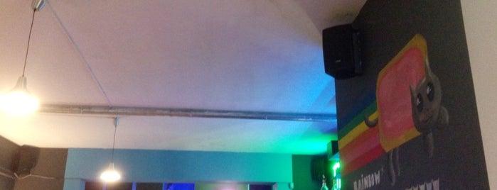 Hyperion Esport Bar is one of Lieux qui ont plu à Hans.