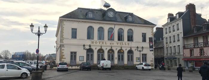 Hôtel de Ville de Honfleur is one of Normandie Trip.