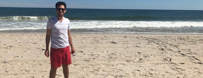 Road D Beach is one of Posti che sono piaciuti a Selena.