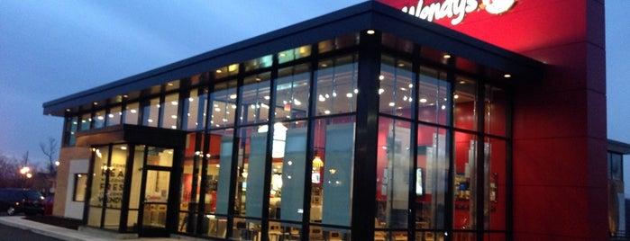 Wendy's is one of Tempat yang Disukai David.