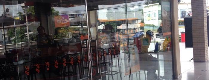 Parque 10 Mall is one of Osvaldo'nun Beğendiği Mekanlar.