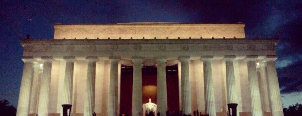 Lincoln Memorial is one of Locais salvos de Scott.