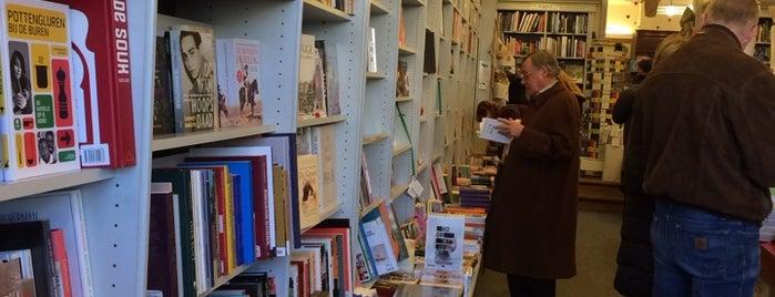 Boekhandel De Reyghere is one of Brügge.