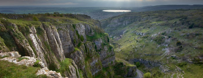 Cheddar Gorge & Caves is one of Tempat yang Disukai Carl.